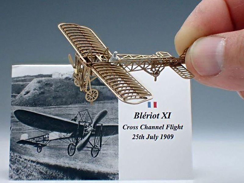 ブレリオXI 精密に再現された金属製の模型飛行機 / エアロベース