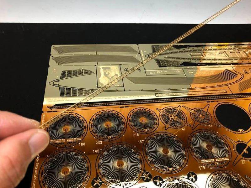 1/1000 ヒンデンブルクLZ129号 ゴールド仕様 / エアロベース