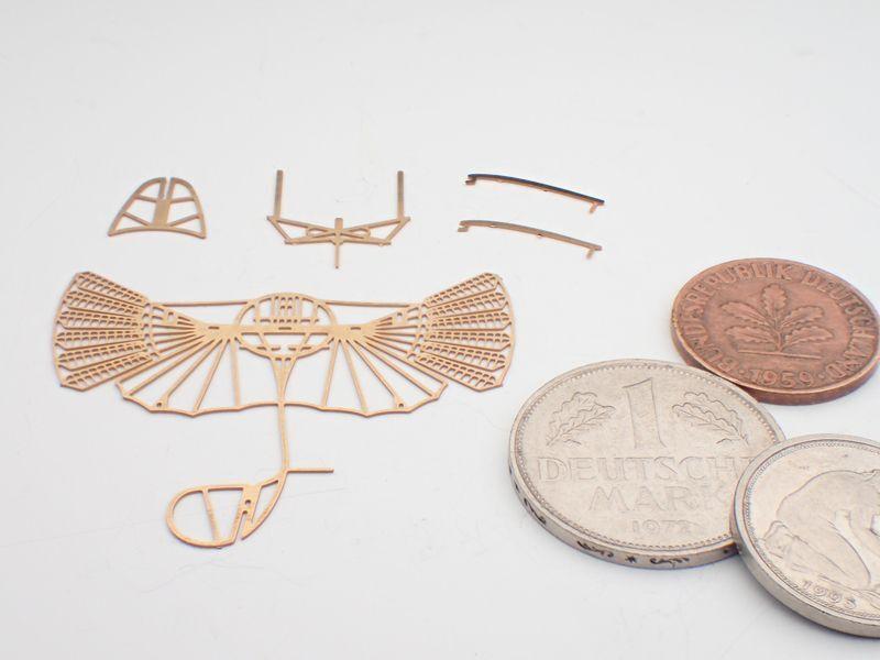リリエンタールの羽ばたきグライダー 組立キット / エアロベース