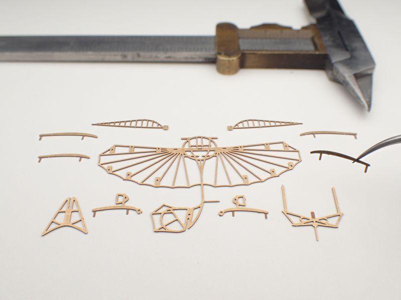 リリエンタールの実験用グライダー 組立キット / エアロベース