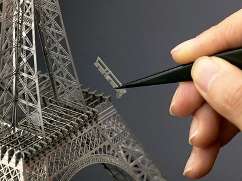 パリのエッフェル塔(30cm) 金属製組立キット / エアロベース